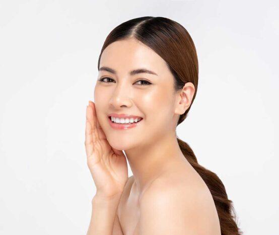 10 Best Illuminating Moisturizer for Glowing Skin in 2021