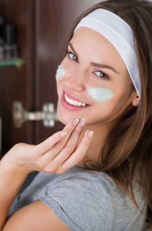 10 Best Moisturizer for Oily Skin Under Makeup